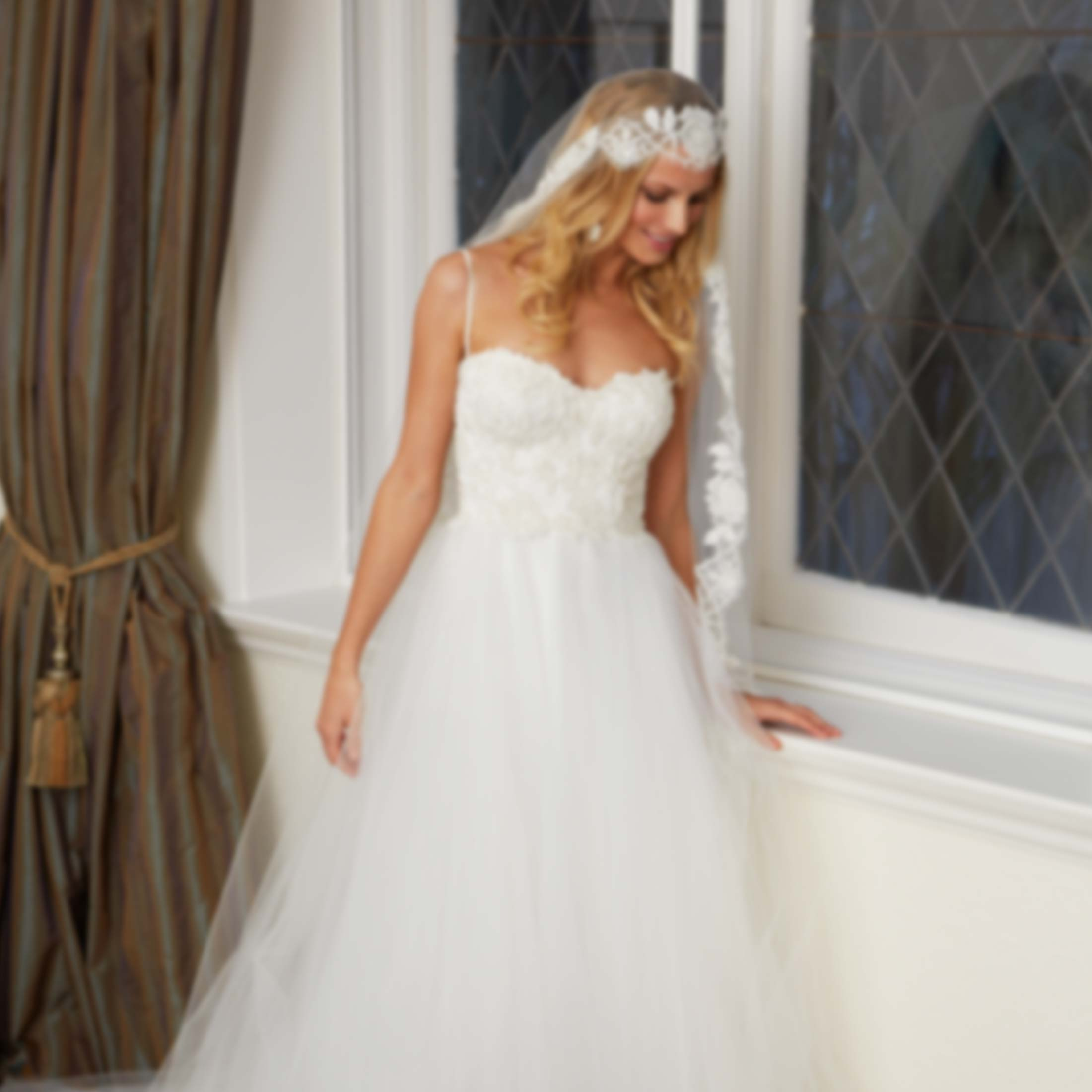 Lisa gowing bespoke wedding dresses by lisa gowing collections ombrellifo Gallery